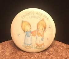 Betsey Clark Hallmark   Pin Rare Friends Are For Loving 1981 USA ex condition