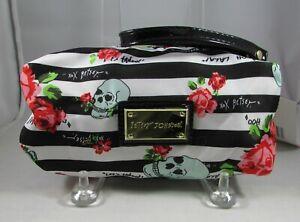 Betsey Johnson Skulls Wristlet Cosmetic Bag Makeup Case Tango Skulls Roses NWT
