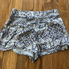 FOREVER 21 SIZE M PATTERNED SHORTS BLUE AND TAN SO CUTE!