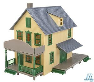 Walthers #931-915 Trainline HO Hardware Store,  building Kit HO SCALE