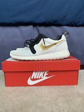 Zapatos Atléticos Nike Oro Hombres Nike Roshe Para | eBay