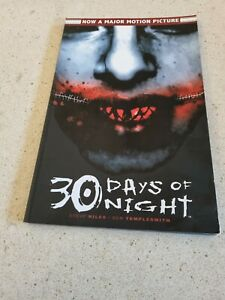 Steve Niles - 30 Days of Night Graphic Novel Paperback