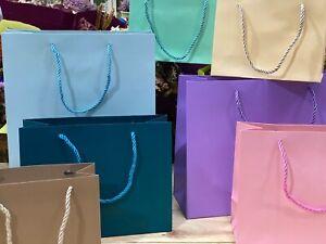 Bolsas de cartón para regalos cordón trenzado 4 medidas 7 colores 24 Unidades
