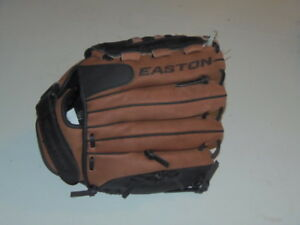 Easton   GAME READY # GR11 LHT 11. IN.  YOUTH.  RET. @ $39 (GRN-500-3329)