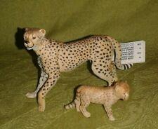 Papo Female Cheetah W/ Cub, Retired (2004) - 50044
