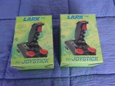 2 JOYSTICK PC LARK TM EN BOITE + NOTICES