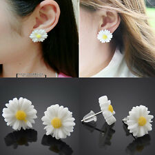 Fashion White Daisy Flower Stud Earrings Vintage Womens Cute Ear Studs Jewelry