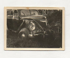PHOTO Voiture ancienne accidentée accident Snapshot Roue Phare Vers 1950 Auto