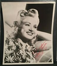 Betty Grable Hand Signed Autographed Original 8x10 Glamour Portrait Photo