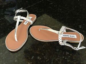 NEW STEVE MADDEN WOMEN'S 7.5 PACO SILVER BRAIDED THONG CUTE MSRP $69.99