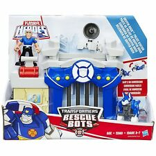 Playskool Heroes Transformers Rescue Bots GRIFFIN ROCK POLICE STATION (B4965)