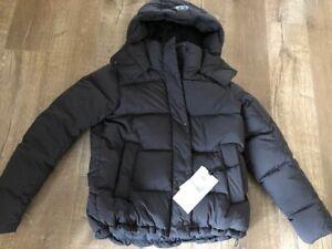 Lululemon Wunder Puff Jacket size 4