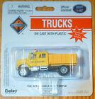 Boley HO 185-403388 International 2-Axle Short Closed Stakebed Truck w/Crewcab