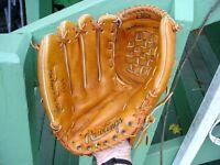 Vintage Rawlings Model 1017 Robin Yount 12.5 Inch Baseball Glove Left Hand Throw