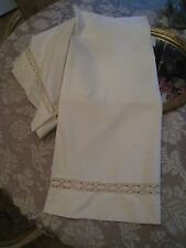 VINTAGE CROCHETED  IVORY LACE  FULL BED SKIRT  #158