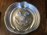 Pumpkin Jack-o-Lantern CAKE PAN Wilton Bakeware 502-2928 vintage 1981