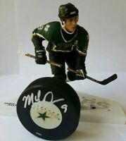 read MIKE MODANO HOF SIGNED DALLAS STARS PUCK + LOT NHL MCFARLANE LEGENDS FIGURE