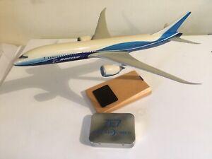 Desk display Model Aircraft Boeing 7E7 Dreamliner Prototype NOT  Space Models