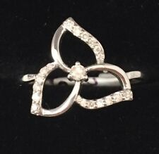 Gorgeous 9ct White Gold Natural Diamond Flower Ring
