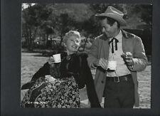 BARBARA STANWYCK + GLENN FORD CANDID - 1955 DOUBLEWEIGHT ON LOCATION BY CROSBY