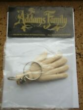 THE ADDAMS FAMILY KEYRING THE THING TV SHOW FILM MOVIE OFFICIAL SEALED BADGE 99p