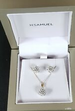 9ct Gold Diamond Pendant & Earrings.