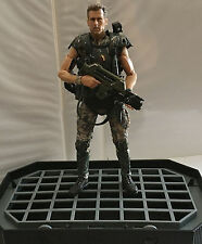 "CORPORAL DWAYNE HICKS w/STAND • C9 • 100% COMPLETE • EXCLUSIVE 7"" NECA ALIENS"