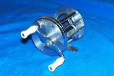 Vintage Fishing Reel South Bend No. 300 Model E Old Freshwater Casting Fish