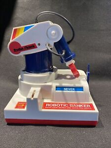 WORKS! COMPLETE 1985 Rare Vintage Robotic Banker Radio Shack Robot Arm Coin Toy