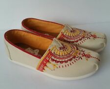 TOMS Classic Slip-On Natural Canvas Embroidery Beaded Flats Women's 5.5 New
