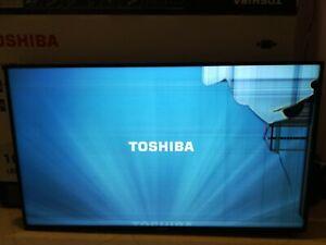 """Télévision Toshiba 109 cm smart TV   """"ECRAN CASSE"""""""