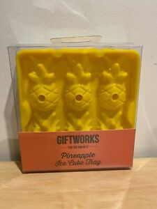 Giftworks 3D Pineapple Ice Cube Tray