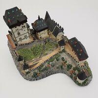 The Danbury Mint - Enchanted Castles of Europe - Karlstejn Castle - MBI - 1994