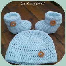 Newborn hat and booties set