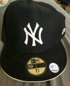 New Era New York Yankees Basic 59Fifty Fitted Cap Hat Black/White Size 7 3/8