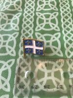 Vintage Retro Quebec State Canada Flag Lapel Pin FREE SHIPPING