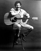 JIM CROCE MUSICIAN SINGER / SONGWRITER - 8X10 PUBLICITY PHOTO (ZY-882)