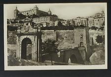 2351.-TOLEDO -5 Puerta de Alcántara y Alcázar antes del asedio