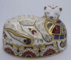 ROYAL CROWN DERBY SINCLAIRS LION CUB PAPERWEIGHT