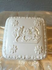 Wedgwood Barlaston Of Etruria Embossed Queens Ware Vanity Trinket Box  England