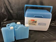 Vintage Gott/Rubbermaid Tote 6 Cooler with 3 Refreeze Bottles Blue Top