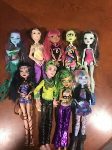 MONSTER HIGH DOLL LOT OF 10