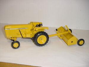 1/16 Custom John Deere 4230 Industrial Tractor W/Pan Scraper! Super Sharp!