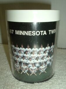 1987 MINNESOTA TWINS TEAM PHOTO THERMO-SERV INSULATED COFFEE MUG