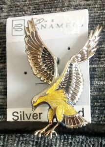 Vintage 22ct Silver plated Eagle Brooch. New and unused on original card