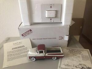 Danbury Mint 1957 Dodge D100 Swept-side Pickup 1:24 Red & White