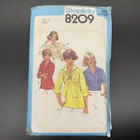 Simplicity Vintage Sewing Pattern #8209 Misses Blouses and Pullover Top Size 10