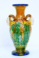 Jugendstil-Ziervase, Majolika-Vase mit Ziegenbock-Griffen, Weindekor, H.33,5 cm.