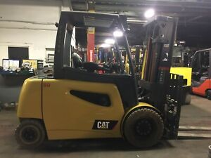 2016 Cat 8000 Lb Solid Pneumatic Forklift Electric Triple Mast SS/FP