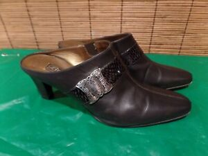Brighton Rhyme Pewter Snake Luxe Heels 8 M Made in Italy